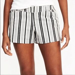 Old navy Nwot white & black stripe pixie shorts 10